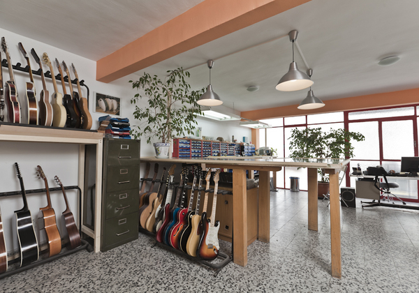 Baupres luthiers madrid inicio for Luthier madrid